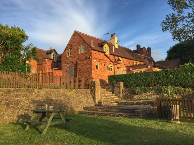 Bell and Bear Inn garden